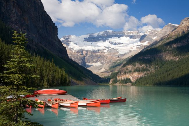 <b>Lake Louise, Alberta:</b> Travellers looking for some privacy at Lake Louise and Banff in Alberta will like the quiet solitude of the various cabins, cottages and chalets in the area. (Fotolia)