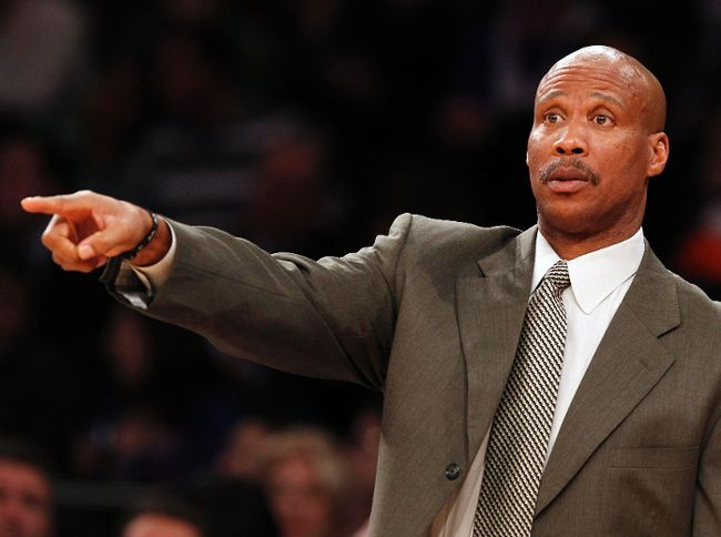 Cleveland Cavaliers head coach Byron Scott gives instructions to his team during the fourth quarter of their NBA basketball game against the New York Knicks at Madison Square Garden in New York December 15, 2012. (REUTERS/Adam Hunger)