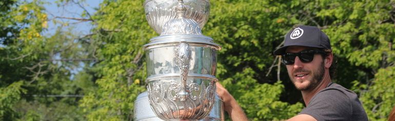 Mike Richards of the Los Angeles Kings paraded the Stanley Cup in his hometown of Kenora on Friday, Aug. 1.