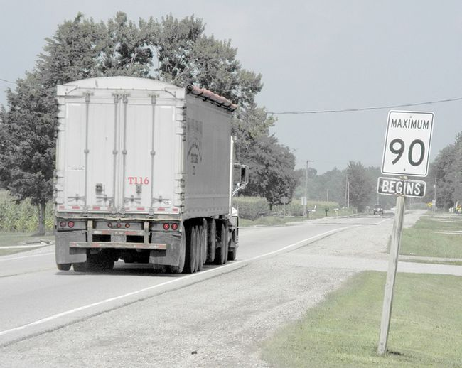 Chatham-Kent council approved speed limit hikes to 90 km/h in certain areas during Monday's meeting. Shown is an existing zone on Longwoods Road just east of Chatham. TREVOR TERFLOTH/ THE CHATHAM DAILY NEWS/ QMI AGENCY