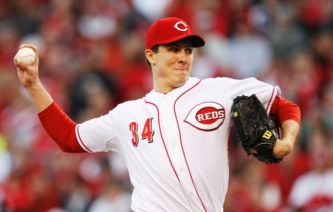 Cincinnati Reds' starter Homer Bailey pitches to the San Francisco Giants during the third inning of Game 3 in their MLB NLDS playoff baseball series in Cincinnati, Ohio, October 9, 2012. REUTERS/Jeff Haynes
