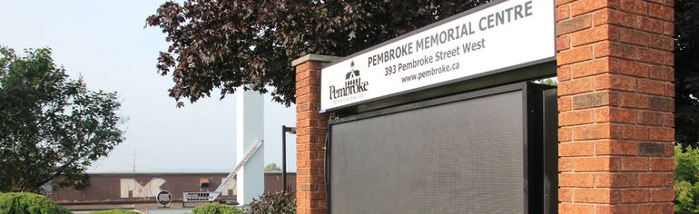 The electronic sign in front of the Pembroke Memorial Centre is on the fritz again. Still under warranty, city staff are working with its manufacturer to hopefuly get it running again soon.