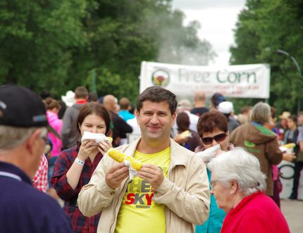 Free corn was a highlight for many festival goers. The Morden Corn and Apple ran from Aug. 22-24, 2014. ALEXIS STOCKFORD/The Winkler Times
