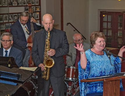 <p>The Frank DiFelice Band (from left) Brian Rudolf, Dave Field, Robin Habermehl, Frank and Nancy DiFelice perform a number during a press conference on Thursday, August 28, 2014 for the 7th annual Brantford International Jazz Festival.</p><p>BRIAN THOMPSON/BRANTFORD EXPOSITOR/QMI Agency