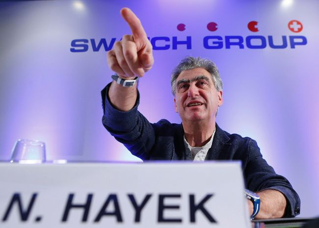 Swatch Group chief executive Nick Hayek Jr. gestures during the Swiss watch maker annual news conference in Plan-Les-Ouates near Geneva in this March 20, 2014 file picture. REUTERS/DENIS BALIBOUSE