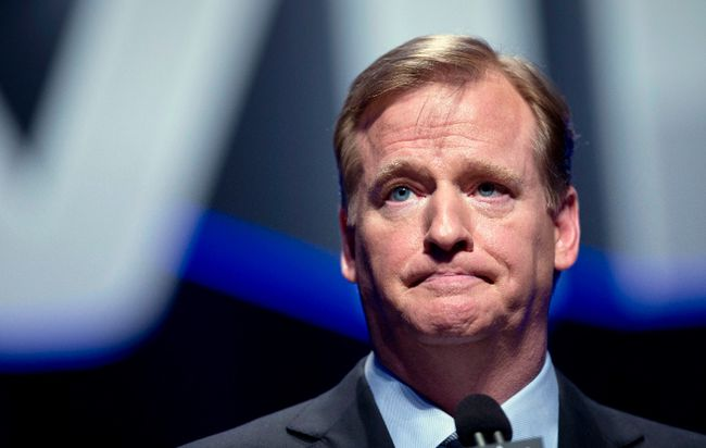 NFL Commissioner Roger Goodell speaks during a news conference ahead of the Super Bowl in New York on January 31, 2014. (REUTERS/Carlo Allegri)