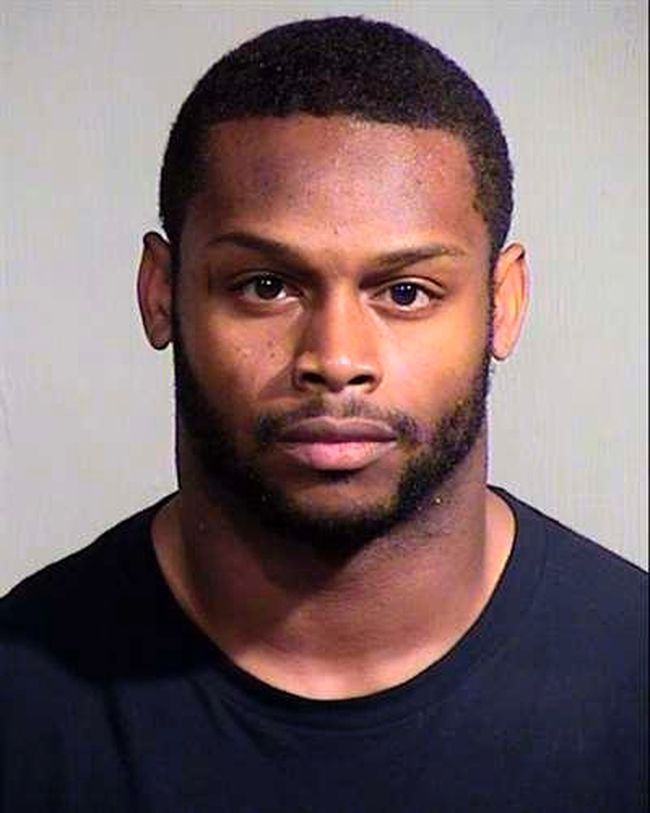 Detectives in Phoenix arrested Cardinals running back Jonathan Dwyer Sept. 17, 2014 on charges of aggravated assault in connection with two alleged incidents of domestic violence in late July. (Reuters/Maricopa County Sheriff's Office/Handout)