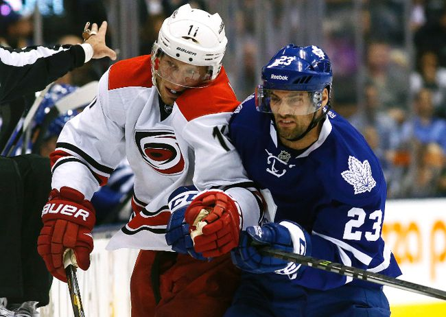 Carolina Hurricanes centre Jordan Staal broke a bone in his right leg during Tuesday's pre-season game against the Buffalo Sabres. (QMI Agency)