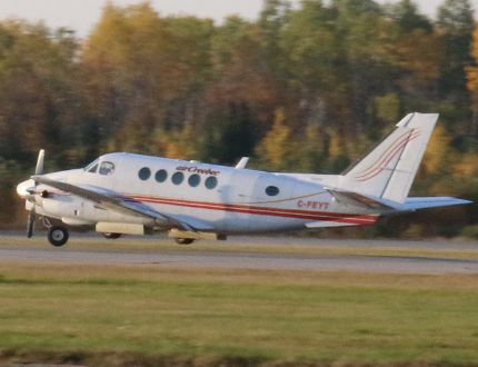 An Air Creebec twin-engine Beech A100 was forced to make an emergency landing
