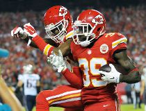 Chiefs safety Abdullah penalized for touchdown prayer
