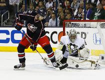 NHL notes: Blue Jackets lose Boone Jenner to broken hand