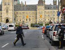 Police have locked down Parliament Hill after shootings in Ottawa, Oct. 22, 2014. (MATTHEW USHERWOOD/QMI Agency)