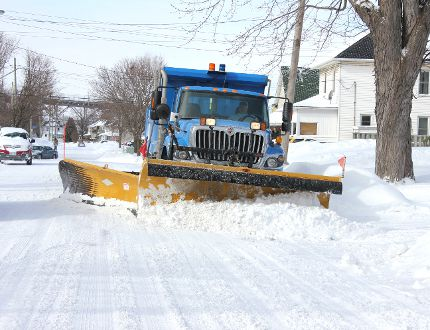<p>City workers were out clearing Cornwall's roads after a major storm last winter. The good news? Weather experts are predicting the coming winter will be easier than last year.</p><p>File photo/CORNWALL STANDARD-FREEHOLDER
