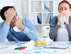 Health professionals advise people to get their flu shots. (FOTOLIA)