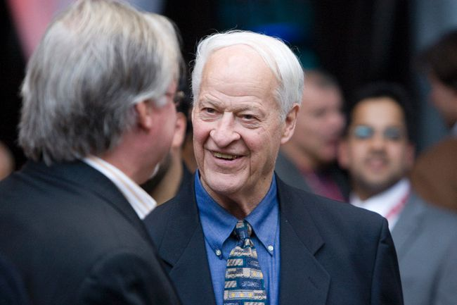NHL legend Gordie Howe is resting comfortably after suffering a mini-stroke on Saturday. (Stan Behal/QMI Agency/Files)