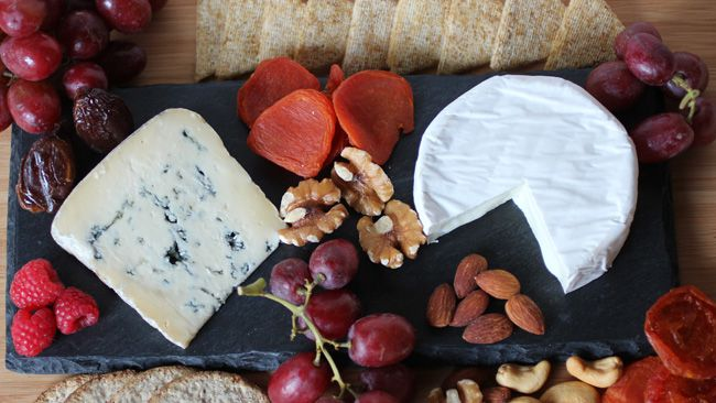 Cheese and nuts (Food4Happiness.ca).