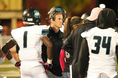 Santiago High School Sharks head coach and Winnipegger Jeff Steinberg (centre) will be taking part in the Under Armour All-America High School Football Game, Jan. 2, 2015, in St. Petersburg, Fla.