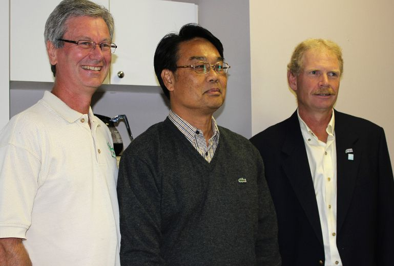 <p>Tom Manley, Preecha Popan and former South Dundas Mayor Steven Byvelds at Homestead Organics. Popan was part of a group of nine delegates from Thailand who came to Canada to learn how we handle organic farming.</p><p>LOIS ANN BAKER/CORNWALL STANDARD-FREEHOLDER
