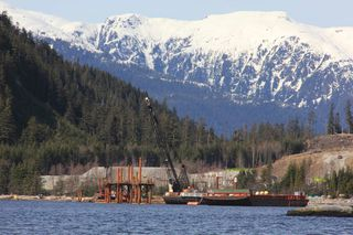 B.C. bans transport of oil in pipelines built for LNG - Clinton News Record
