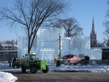 Workers constructing Bonhomme's castle for the Quebec Winter Carnival. (Nicole Feenstra/QMI Agency)