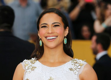 Actress Paula Patton poses on arrival at the 21st annual Screen Actors Guild Awards in Los Angeles, California January 25, 2015.  REUTERS/Mike Blake
