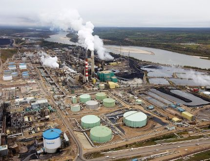 The 29,000 B.C. workers lured to Alberta for higher paying jobs could find themselves in a tough situation as massive layoffs in the oil industry loom. (REUTERS)