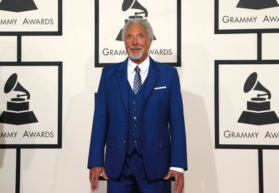Singer Tom Jones arrives at the 57th annual Grammy Awards in Los Angeles, California February 8, 2015.   REUTERS/Mario Anzuoni