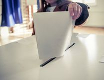 Voting cards are a requirement of the standard bylaws and most strata corporation bylaws, and should never serve a dual purpose as a ballot. (FOTOLIA)