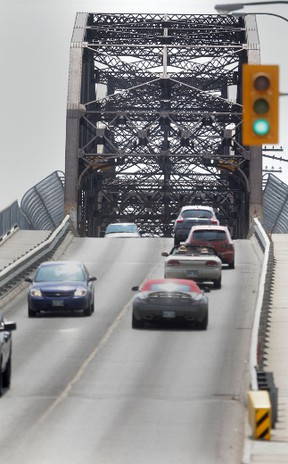 The Arlington Street Bridge will be closed this weekend for maintenance and inspection. (Chris Procaylo/Winnipeg Sun file photo)