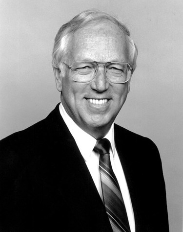 Well-known sportscaster Al McCann has passed away at the age of 85. In 1963, McCann moved to Edmonton, where he worked for 30 year at CFRN (now CTV Edmonton). McCann is photographed in 1992 in the Edmonton studio. Photo Courtesy/CTV Edmonton