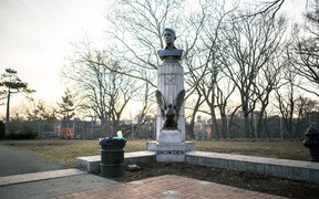 A large molded bust of Edward Snowden is pictured in Fort Greene Park in New York, April 6, 2015. (AYMANN ISMAIL/Animal New York/Reuters)