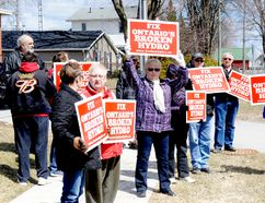 Demonstrators protesting against Hydro One rates in Brockville. (RONALD ZAJAC/The Recorder and Times)