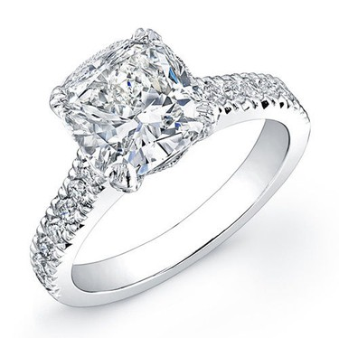 In 2013, an engagement ring was purchased via eBay Mobile for $28,500. (eBay/Supplied)