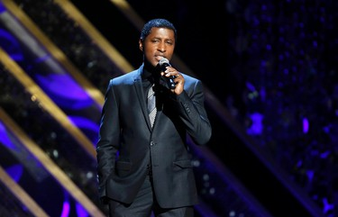 """Singer Kenny Babyface Edmonds performs """"Gone Too Soon"""" at the 42nd Annual Daytime Emmy Awards in Burbank, California April 26, 2015.  REUTERS/Danny Moloshok"""