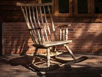 City drops fine against Quebec woman, 91, for noisy rocking chair