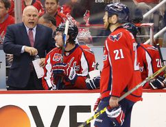 Washington Capitals coach Barry Trotz talks to his team during Game 3 against the New York Rangers at Verizon Center. (Geoff Burke/USA TODAY Sports)
