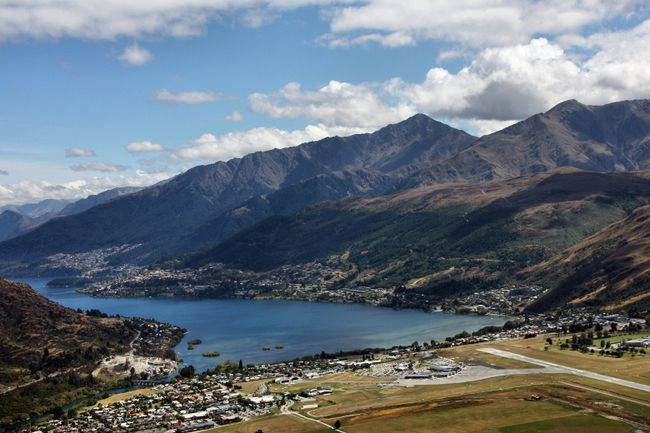 "<i>A poll from private charter jet providers <a href=""http://Privatefly.com"" target=""_blank"">Privatefly.com</a> has revealed the world's most scenic airport landings for 2015. From the gorgeous -- like the scenic Queenstown Airport in New Zealand -- to the unusual -- like St. Maarten's landing over the beach -- these 10 airports runways provide passengers with breathtaking sights when landing.</i><br><br><b>1.</b> Queenstown Airport, New Zealand. <b>Views:</b> This scenic flight to the resort town of Queenstown gives travellers views of mountains and the New Zealand country. (Fotolia)"