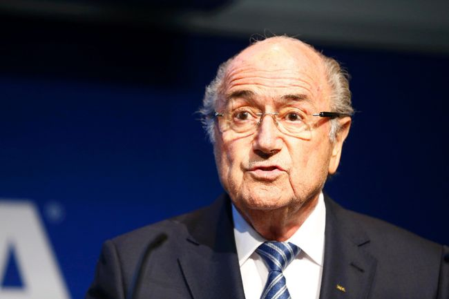 FIFA President Sepp Blatter addresses a news conference at the FIFA headquarters in Zurich, Switzerland June 2, 2015. (REUTERS/Ruben Sprich)