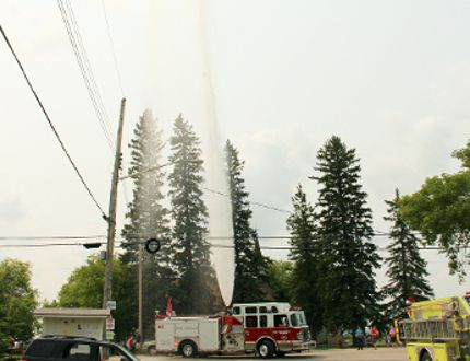 A pumper truck from the Stony Mountain-Rockwood Fire Department shoots water into the air.(Glen Hallick, Interlake Publishing, Postmedia Network)