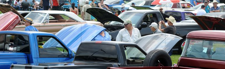 Automobiles and spectators cover the Fort Wellington field in Prescott at the 28th annual St. Lawrence Valley Car Club show. (Nick Gardiner/Brockville Recorder and Times)
