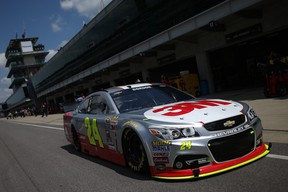 Jeff Gordon failed to advance to the second round of qualifying and will start 19th in Sunday's Brickyard 400, where the veteran driver will attempt to win for a sixth time in Indianapolis. (AFP/PHOTO)