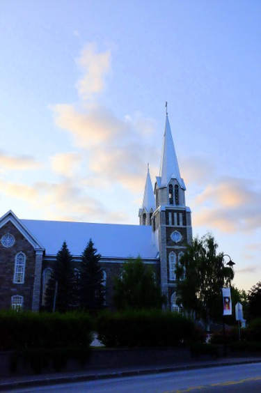 Eglise de Saint-Pierre et Saint-Paul and its soaring spire can be seen from most points in Baie-Saint-Paul. PAT LEE PHOTO