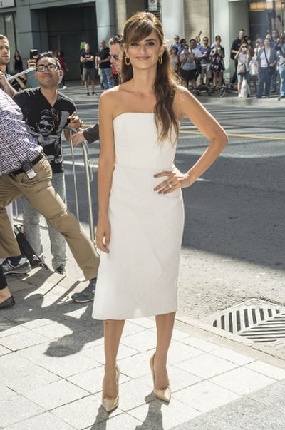 """Penelope Cruz poses on the red carpet for the film """"Ma Ma"""" during the 2015 Toronto International Film Festival in Toronto on Tuesday, September 15, 2015. (<A HREF=""""http://www.wenn.com"""" TARGET=""""newwindow"""">WENN.COM</a> )"""