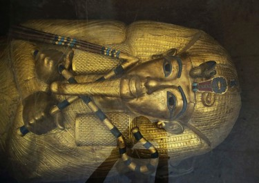 The tomb of King Tut is displayed in a glass case at the Valley of the Kings in Luxor, Egypt, Tuesday, Sept. 29, 2015. (AP Photo/Nariman El-Mofty)