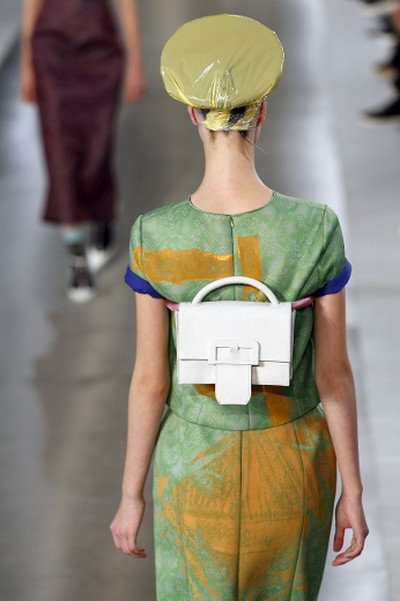 """A model presents a creation for Maison Margiela during the 2016 Spring/Summer ready-to-wear collection fashion show, on September 30, 2015 in Paris.     AFP PHOTO / FRANCOIS GUILLOT  PDRTJS_settings_8246981 = { """"id"""" : """"8246981"""", """"unique_id"""" : """"default"""", """"title"""" : """""""", """"permalink"""" : """""""" }; (function(d,c,j){if(!document.getElementById(j)){var pd=d.createElement(c),s;pd.id=j;pd.src=('https:'==document.location.protocol)?'https://polldaddy.com/js/rating/rating.js':'http://i0.poll.fm/js/rating/rating.js';s=document.getElementsByTagName(c)[0];s.parentNode.insertBefore(pd,s);}}(document,'script','pd-rating-js'));"""