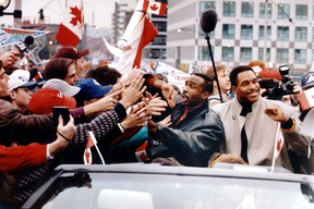 Devon White and Dave Winfield during the Blue Jays World Series parade Oct. 26, 1992. (Toronto Sun files)