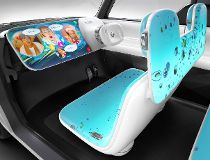 Offbeat Nissan concept acts as a smartphone on wheels