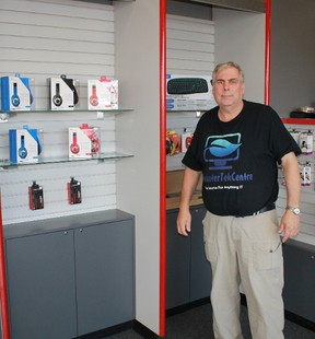 Bluewater Tek Centre manager and IT specialist Randy Samms stands in the store's Northgate Shopping Centre location. CARL HNATYSHYN/SARNIA THIS WEEK