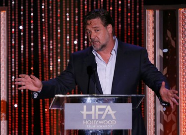 Actor Russell Crowe presents the Hollywood Producer Award at the Hollywood Film Awards in Beverly Hills, California November 1, 2015.  REUTERS/Mario Anzuoni