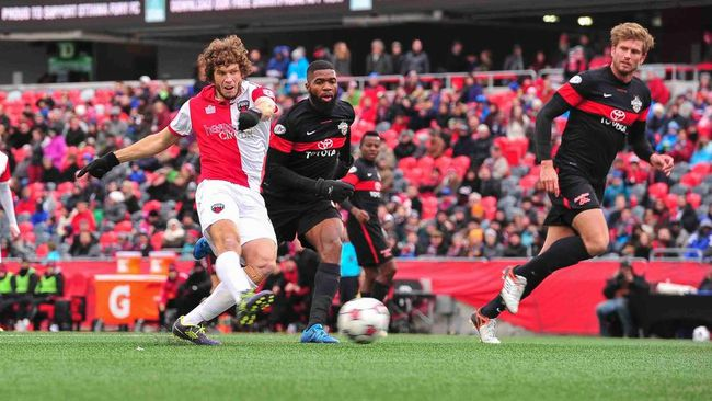 Ottawa Fury FC striker Tommy Heinemann battles against the San Antonio Scorpions as the clubs met at TD Place on Sunday, Oct. 18, 2015.